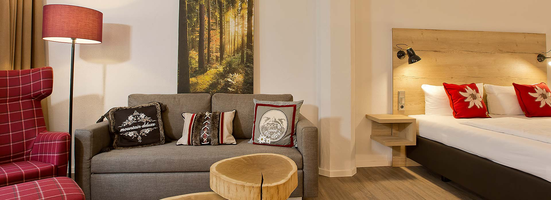 "Zimmer, Appartements & Suiten im ""elements"" Oberstdorf · Hotel · Christlessee"