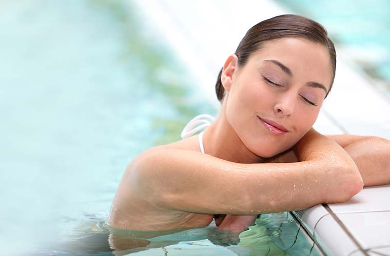 "Wellness-Angebote im ""elements"" Oberstdorf · Hotel · Christlessee"